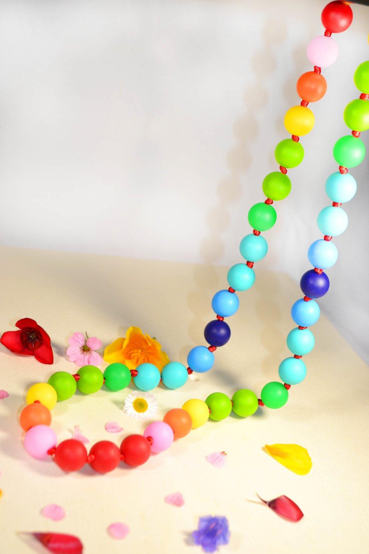 Collier d'allaitement – silicone multicouleur